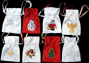 8 Christmas Gift Bags in Magical Christmas design