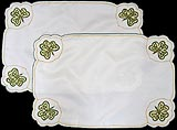 Table placemats in Shamrock design